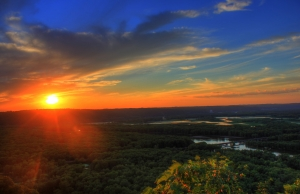 sunset-over-river-valley-1430882-m