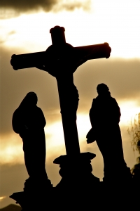 jesus-on-cross-4-1364043-m